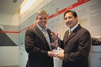 SANDISK PRESENTED WITH THOMSON REUTERS 2012 TOP 100 GLOBAL INNOVATOR AWARD